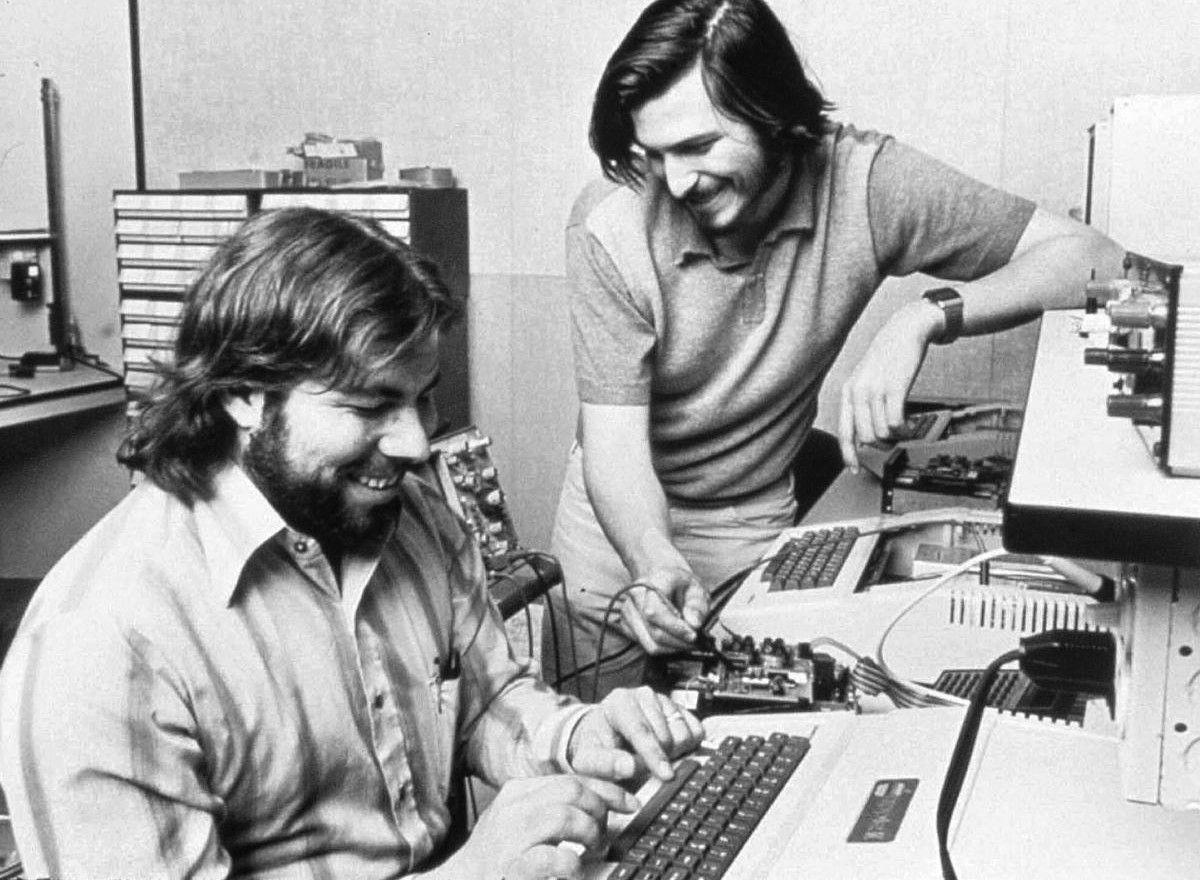 História počítačov Apple: Úspech vystriedal prepad