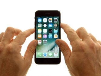 Ako reštartovať iPhone: Rôzne, záleží namodely