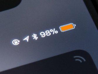 Vlastná farba ukazovatela pre stav batérie iPhonu
